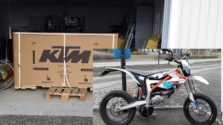 10. Unboxing and presentation of KTM Freeride E