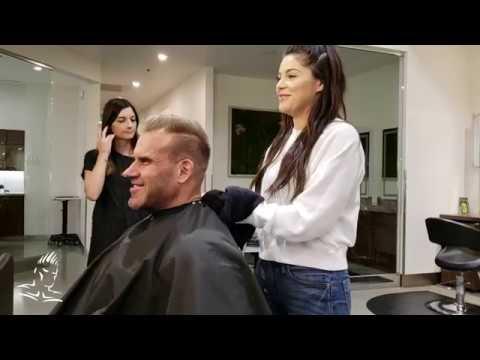 Hair salon - Jay Cutler gets a hair cut at Atelié by Square Salon before heading to Dubai Muscle Show