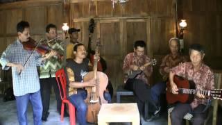 "Video Kroncong Setiakawan in Yogya 2 - ""Bengawan Solo"" + ""Jali Jali"" MP3, 3GP, MP4, WEBM, AVI, FLV Juli 2018"