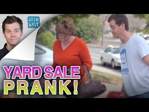 LADY PRANKED AT YARD SALE!!!