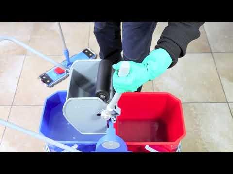 Pulizia. Lavaggio pavimento con doppia vasca (sistema duo mop)