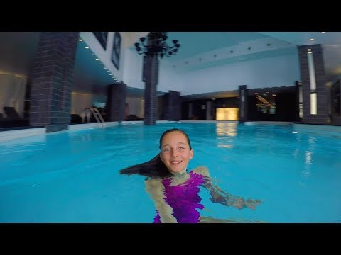 Video Swimming underwater in an indoor swimming pool download in MP3, 3GP, MP4, WEBM, AVI, FLV January 2017