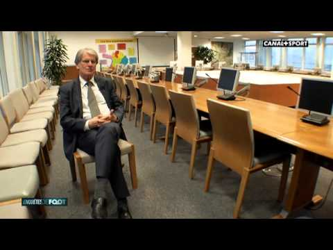Foot - Reportage sur l'équipe de France de football.