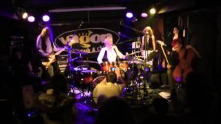 Video PayaNoia - Čekání na Godota - Live, klub Vagon Praha, 10.3.2013
