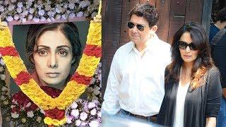 Video Emotional Madhuri Dixit Breaks Down At Sridevi's Funeral In Mumbai MP3, 3GP, MP4, WEBM, AVI, FLV Juni 2019
