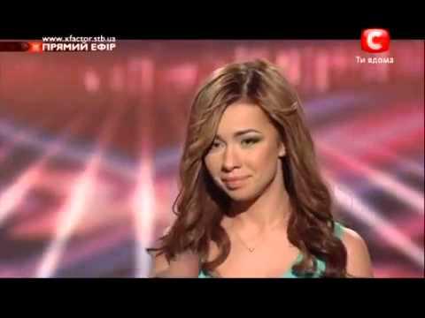 უკრაინელი გოგონა ქართული სიმღერით