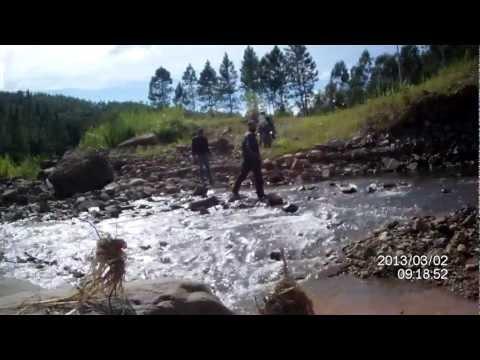 Passagem pelo rio em Ilhota