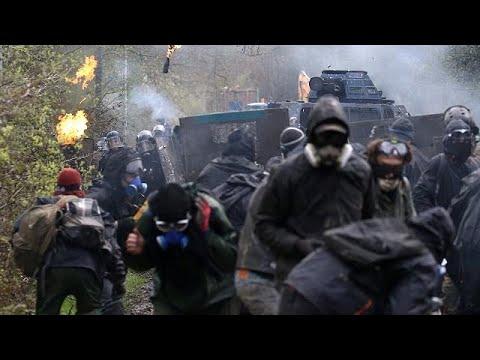Νέες συγκρούσεις καταληψιών – αστυνομίας