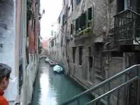 ecinajx19 - Walking through Venice. The music is from the Concerto for Oboe in D Minor by the Venetian composer Albinoni.