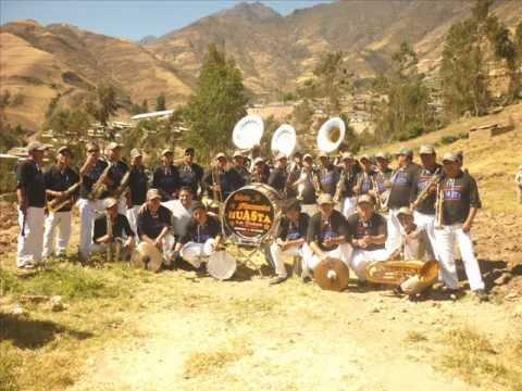 GRAN BANDA SHOW FILARMONICA HUASTA - Primicia 2013 - ABREME LA PUERTA