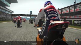 Video MotoGP'17_Casey stoner battle Marc marquez at CATALONIA MP3, 3GP, MP4, WEBM, AVI, FLV Agustus 2018