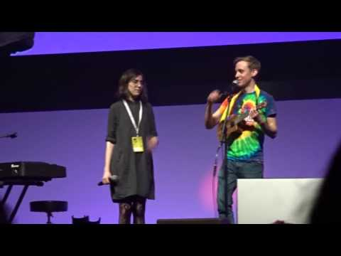 Dodie and Jon @VidConEU - Tourist: a love song/non love song