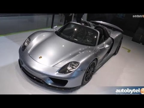 The Porsche 918 Spyder at the 2014 New York Auto Show