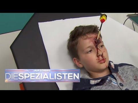 Ziel verfehlt! Junge hat Dartpfeil im Kopf | Auf Streife - Die Spezialisten | SAT.1 TV