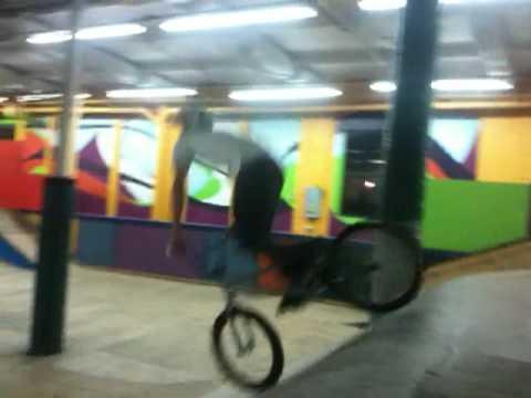 Andrew faulkner 180 barspin at gateway skatepark