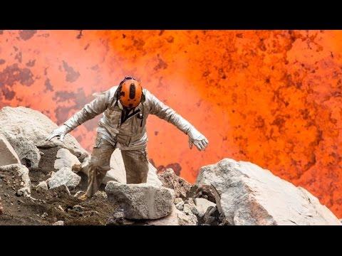 مغامرة تحبس الأنفاس ،، سلفي مع فُوَّهة البركان .