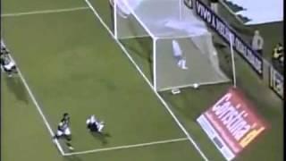 Corinthians 2 x 1 América-MG - Brasileirão 2011 - 03/08/11Corinthians 2 x 1 América-MG - Gols pelo Brasileirão 2011Corinthians vence américa-mg e segue na liderança Timão vence e segue na ponta do campeonato Corinthians 2 x 1 América-MG - Gols - 03/08/11Corinthians faz gol-relâmpago, mas joga mal e só consegue no segundo tempo o gol que o mantém na ponta da tabela e quebra série de derrotas---------------CORINTHIANS : Renan , Weldinho (Edenilson), Chicão, Leandro Castán e Fábio Santos;Ralf, Paulinho e Danilo;Willian (Alex), Emerson (Elias) e Jorge Henrique.AMÉRICA : Neneca , Marcos Rocha, Micão, Willian Rocha e Gilson;Dudu, Leandro Ferreira, Glauber (Fabrício) e Rodriguinho (Otávio);Léo (Alessandro) e Kempes.GOLS : Corinthians: Paulinho 21' 2T, Jorge Henrique 0'28 1TAmérica: Kempes 14' 1TCategoria: