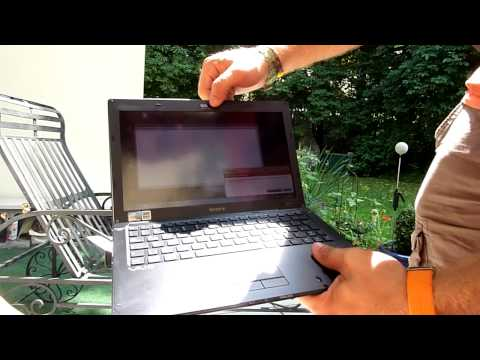 Sony Vaio X1 Subnotebook Unboxing Outdoors and Display Test