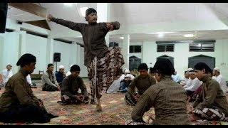 Video KH.  Tengku Zulkarnain - Bacaan Al-Qur'an Langgam Nusantara Dan Aliran Kepercayaan MP3, 3GP, MP4, WEBM, AVI, FLV Januari 2019