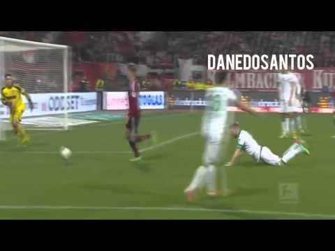 Ronaldo nên đi tìm anh này học cách đá bóng.