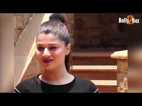 Kainaat Arora Hot at IIFA voting Weekend Festival 2017 | Bolly2box