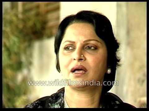 "Famous actress Waheeda Rehman speaks on ""Kagaaz Ke Phool"" and Guru Dutt"