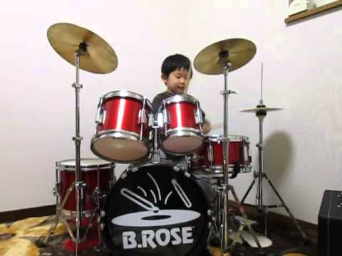 0 Tiny drummer covers Clash songs