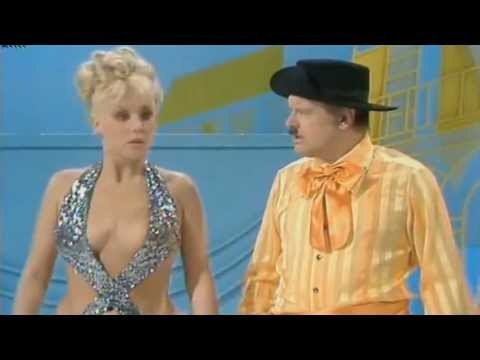【Diana Darvey feat. Benny Hill & Jackie Wright】The Benny Hill Show, 1977