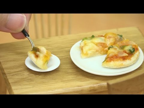How to Make Six Tiny Pizzas Out of One Slice of