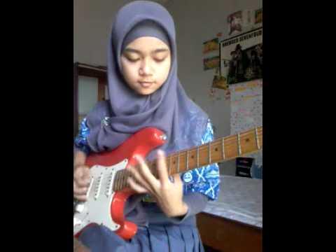 """""""Meliani"""" Cewek Hijab yang Jago Ngegitar Aliran Metal"""