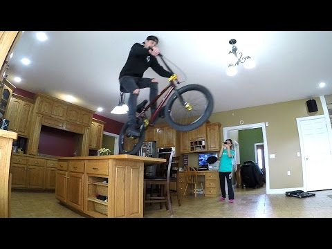 CRAZY INDOOR BMX!! (видео)