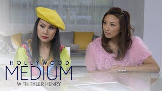 Video Tyler Henry Connects Jeannie Mai & Her Mom to a Loved One | Hollywood Medium with Tyler Henry | E! MP3, 3GP, MP4, WEBM, AVI, FLV Juni 2018