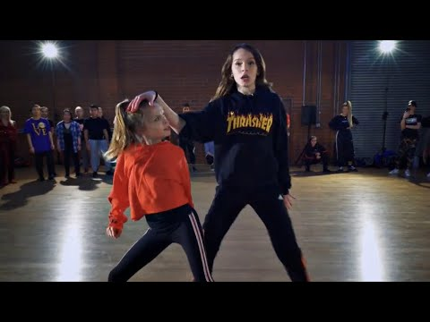 Video Taylor & Reese Hatala