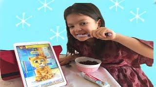 KONUŞAN GİNGER VE MASAL DİŞ FIRÇALIYOR - Washing Teeth - Eating and Playing
