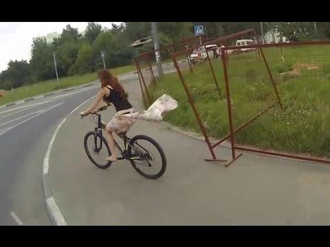 女生穿裙子騎單車要注意阿!不然就會像這樣......