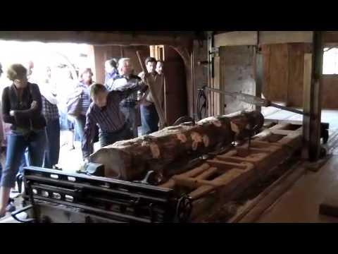moteur vapeur - Mise en route d'une machine à vapeur pour le fonctionnement d'un haut fer (scierie)