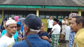 Video Penemuan Mayat Remaja Duduk Terikat Tali Lehernya di Tiang Bendera MP3, 3GP, MP4, WEBM, AVI, FLV Desember 2017