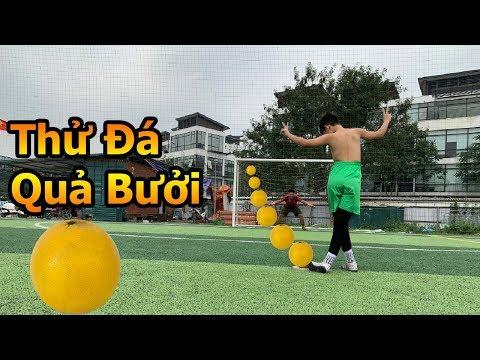 Thử Thách Bóng Đá sút Penalty bằng Quả Bưởi DKP thách đố Bùi Tiến Dũng nhí tâng và làm thủ môn - Thời lượng: 10 phút.