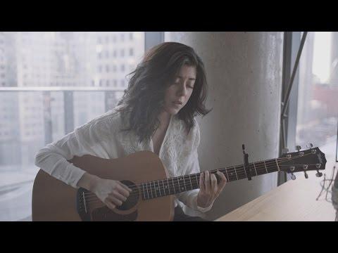 Daniela Andrade - Shore (Live) - Thời lượng: 4 phút, 55 giây.