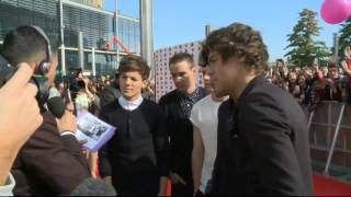 One Direction get the giggles during an interview