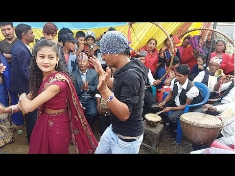 यो वर्षकै सुपरहिट पन्चे बाजा भिडीयो - Amazing Dance in Nepali Panche Baja