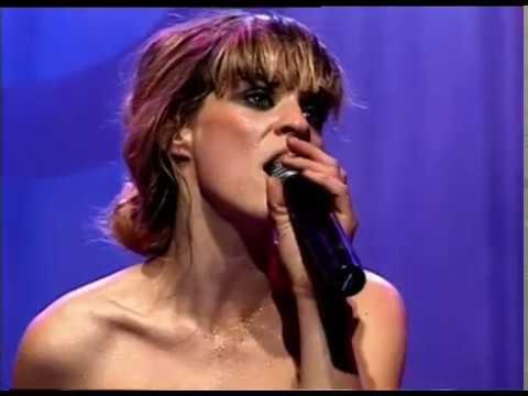Leticia Bredice video La rubia tarada - CM 2004