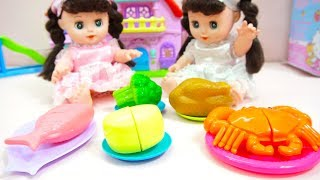 Video Twins Baby Dolls Pretend Play at Home | Build for Kitty House and Birthday Cake Decorations MP3, 3GP, MP4, WEBM, AVI, FLV November 2018