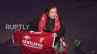 Video Russia: Liverpool fans greeted with 'warm welcome' T-shirts ahead of Spartak game MP3, 3GP, MP4, WEBM, AVI, FLV Oktober 2017