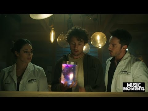 Roswell, New Mexico 2x01 | Music Moment | The Cranberries - Zombie