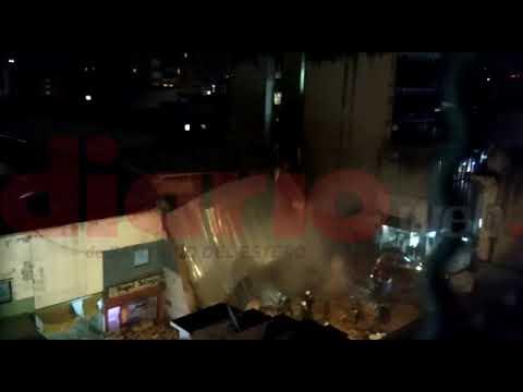 Derrumbe del edificio del ex teatro Parravicini- Tucumán (видео)