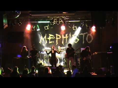 Pareidolian - Dreaming in Time live Mephisto