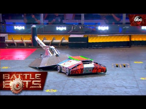 Beta vs. Lucky - BattleBots