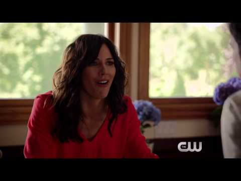 "Significant Mother 1x01 ""Welcome to Bonetown"" 