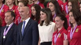 S.M. la Reina recibe en audiencia a Selección Nacional femenina Sub-17 de fútbol